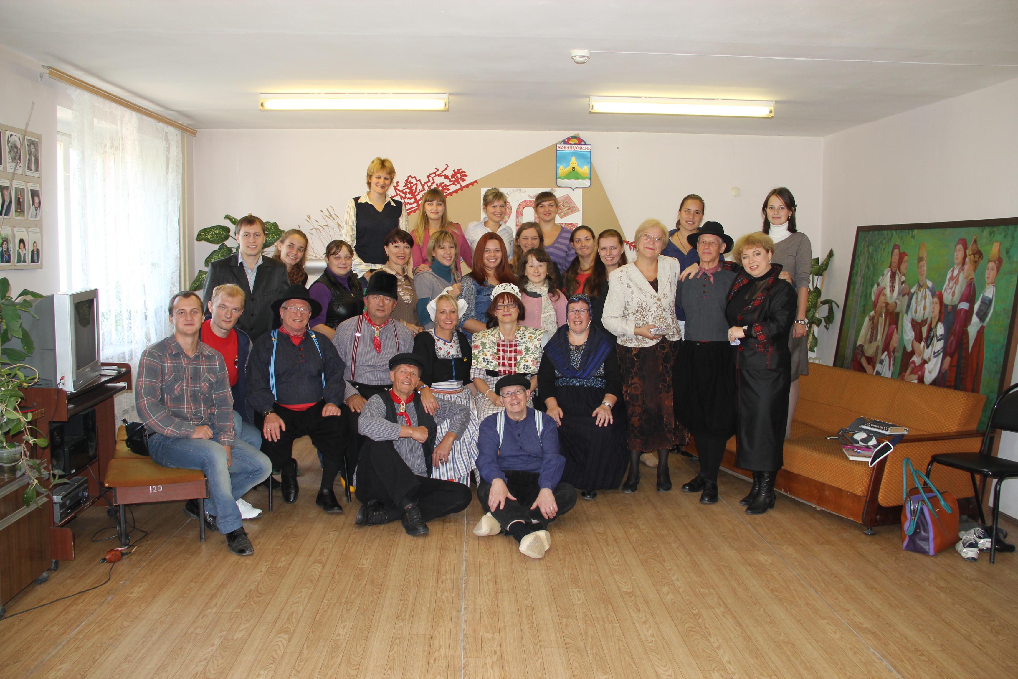 Academie van de kunst in Woronjezh na het concert van Zarjanka 12.09.12