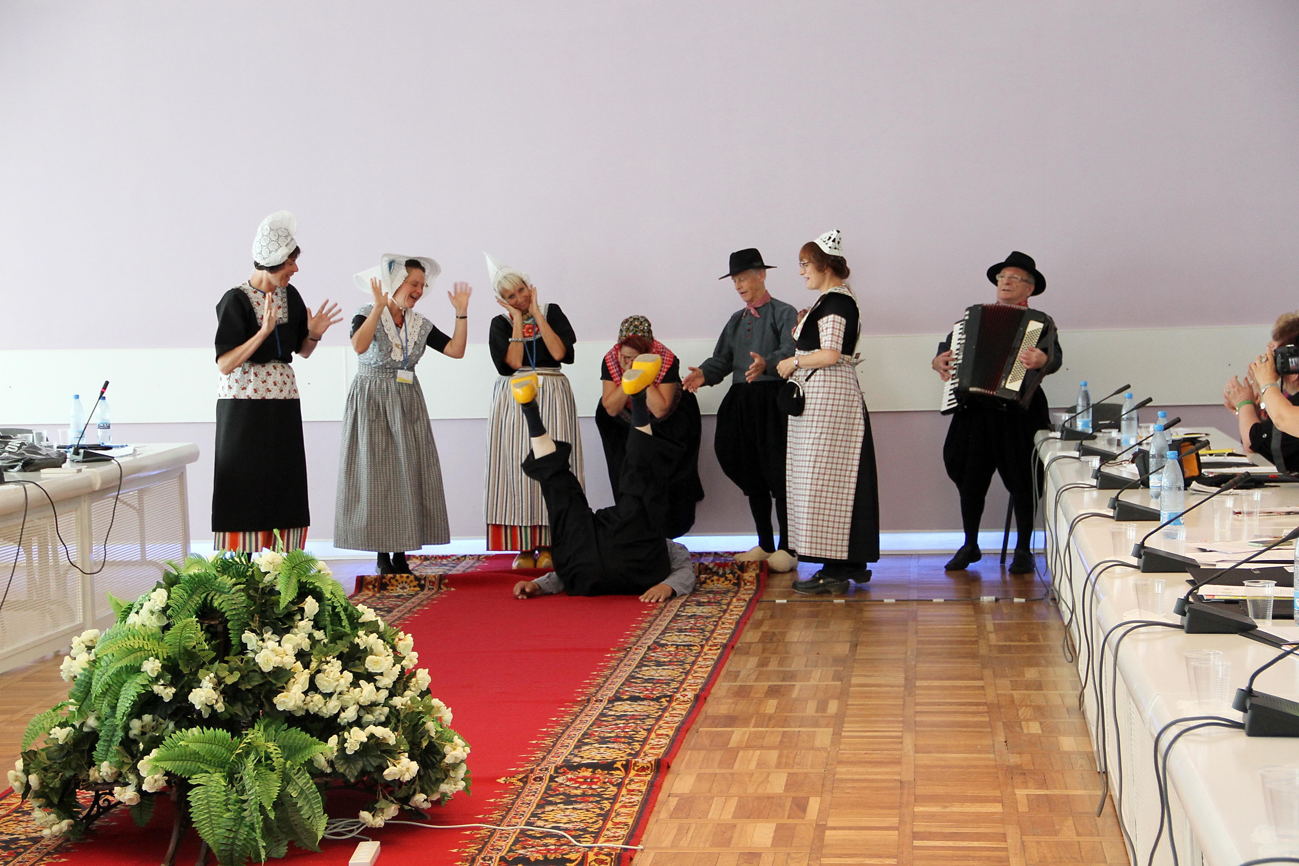"""Zarjanka: """"Reus"""" tentoonstelling  op de conferentie in Svjetlogorsk in Rusland op 13.08.2014"""