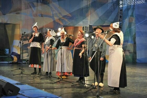 Kaliningrad Hoofdpodium 16 aug 2014 III Internationale folklore festival