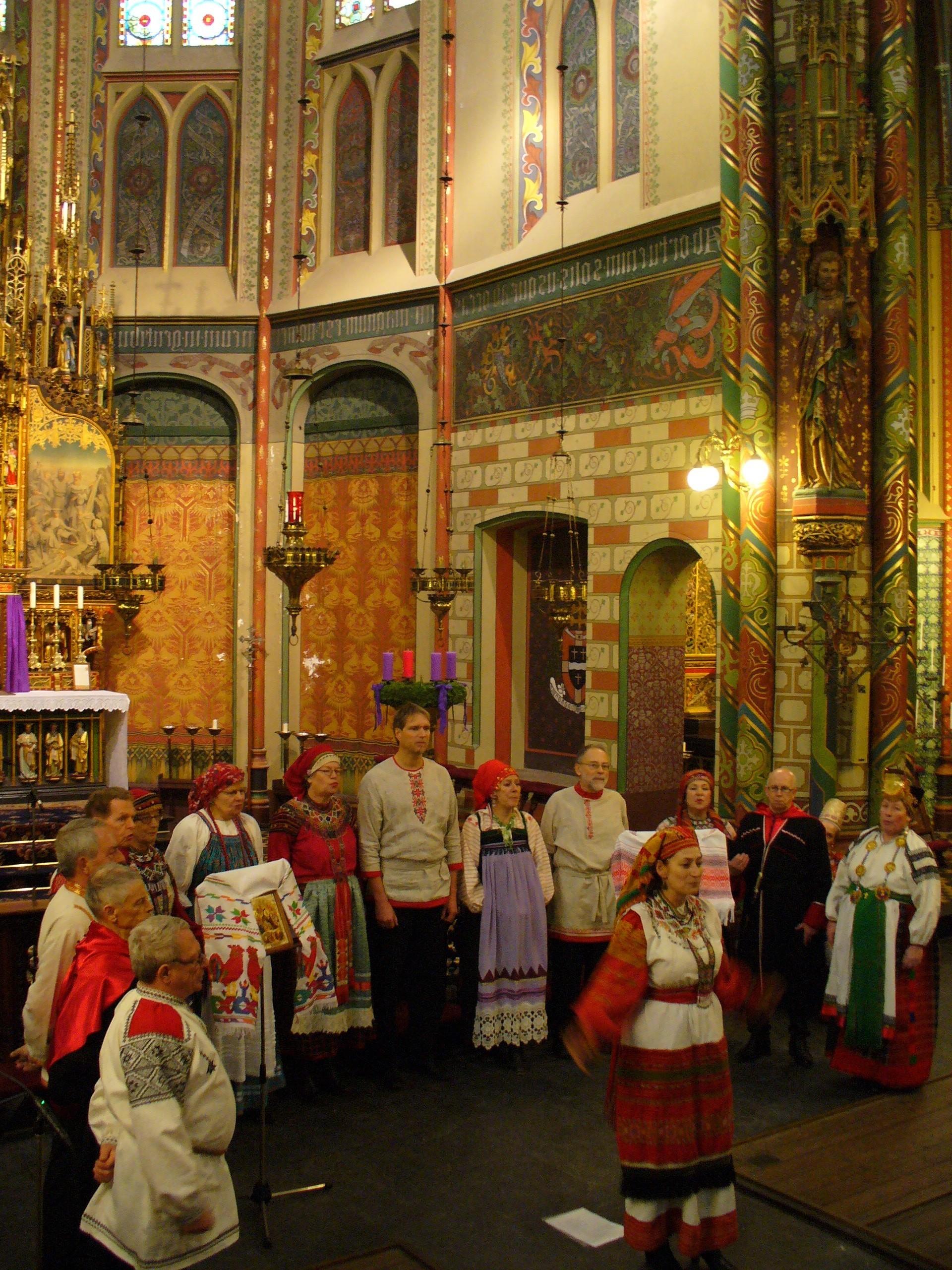 Zarjanka Russisch kerstconcert op 09.12.12 in St. Willibrorduskerk in Utrecht.